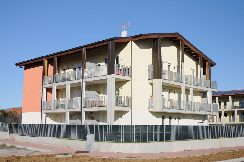 Rivestimento pilastri in legno- Cuneo - OML